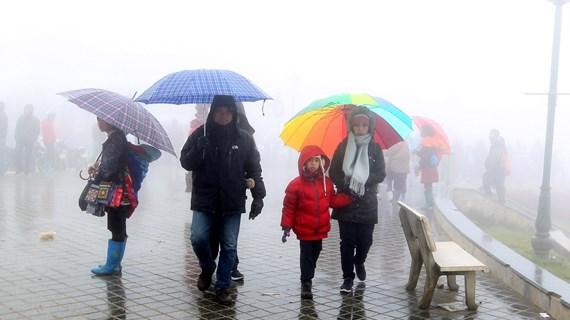 Bắc Bộ và Trung Bộ mưa rét, nhiệt độ vùng núi xuống dưới 10 độ C