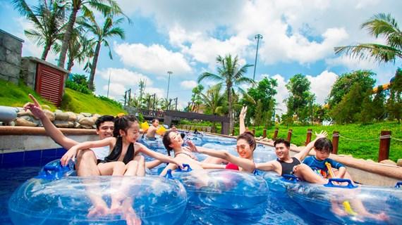 Du lịch Quảng Ninh: Cuộc chuyển mình ngoạn mục từ 'nâu' sang 'xanh'