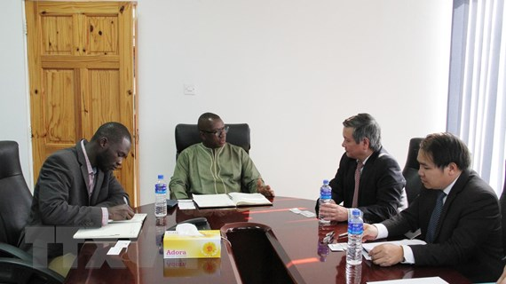 Việt Nam-Gambia tăng cường phát triển hợp tác kinh tế, thương mại