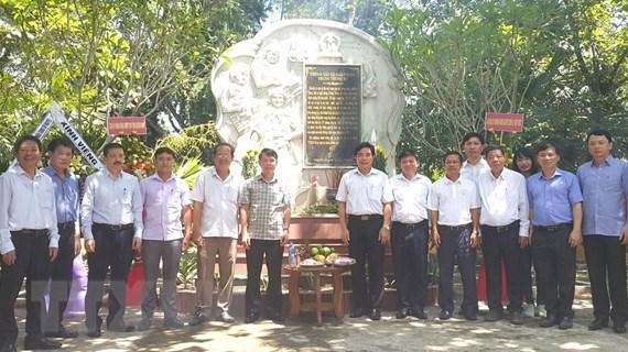 Dâng hương tưởng niệm các liệt sỹ Thông tấn xã Giải phóng