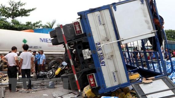 Thủ tướng: Ưu tiên cao nhất cho việc cứu chữa nạn nhân vụ lật xe tải