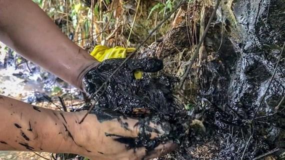 Xác định 3 đối tượng nghi xả dầu thải gây ô nhiễm nước sông Đà