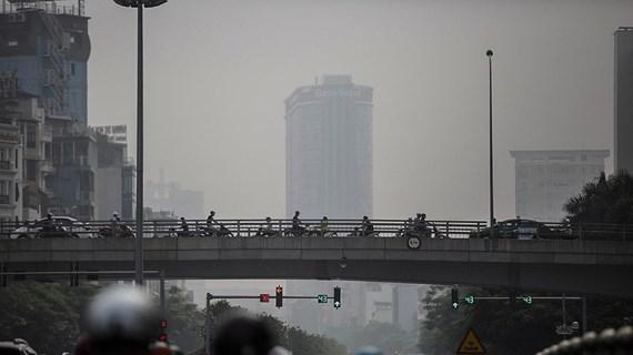 Ô nhiễm bụi mịn ở mức cao, hạn chế hoạt động ngoài trời vào buổi sáng