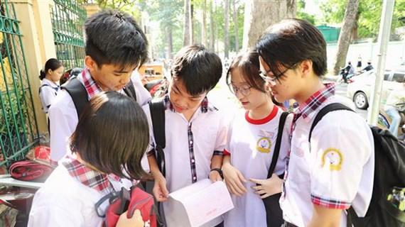 Tuyển sinh lớp 10 tại TP.HCM và Hải Phòng: Đề thi vừa sức