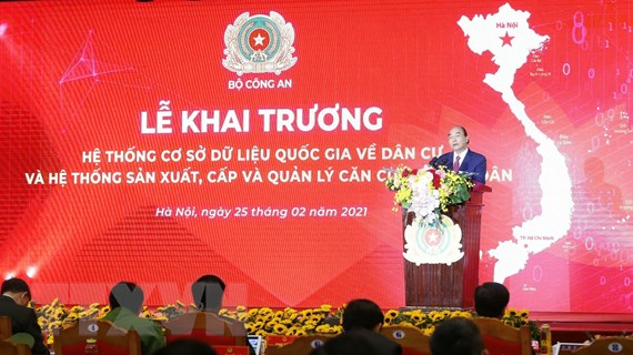 Thủ tướng: Đẩy nhanh chuyển đổi số trong quản lý nhà nước và dân cư
