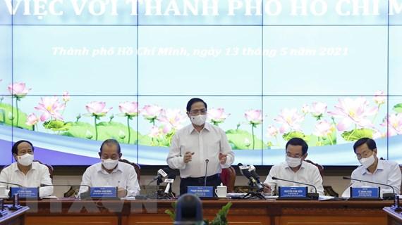 Thủ tướng làm việc với lãnh đạo TP.HCM về tình hình kinh tế-xã hội