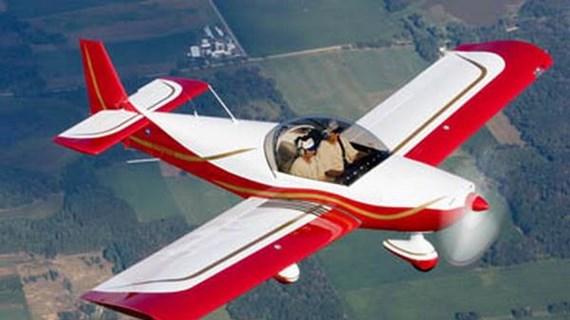 Máy bay tư nhân rơi do bị gãy cánh khi thao diễn, 2 người thiệt mạng