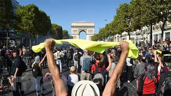 Cảnh sát Pháp bắt giữ gần 150 người biểu tình tại thủ đô Paris