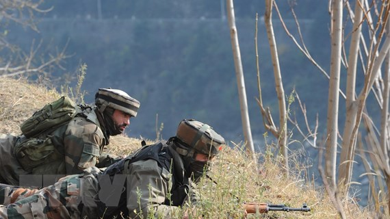 Binh sỹ Ấn Độ và Pakistan đấu súng qua đường ranh giới kiểm soát