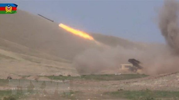 Xung đột tại Nagorny-Karabakh: Nga, EU kêu gọi ngừng bắn ngay lập tức
