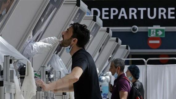 """EU hướng tới sử dụng """"hộ chiếu vaccine"""" để mở cửa du lịch Hè 2021"""