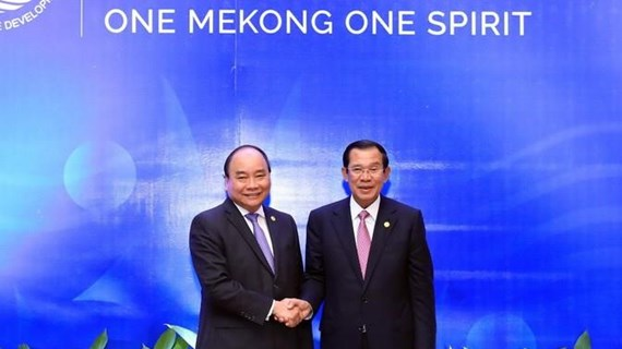 Thủ tướng gặp gỡ Thủ tướng Campuchia bên lề BRF 2019