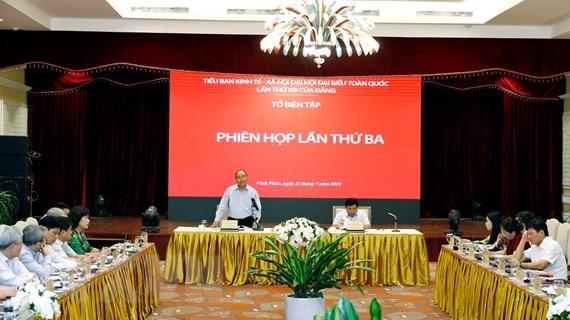 Thủ tướng chủ trì họp lần thứ ba Tổ biên tập Tiểu ban KT-XH