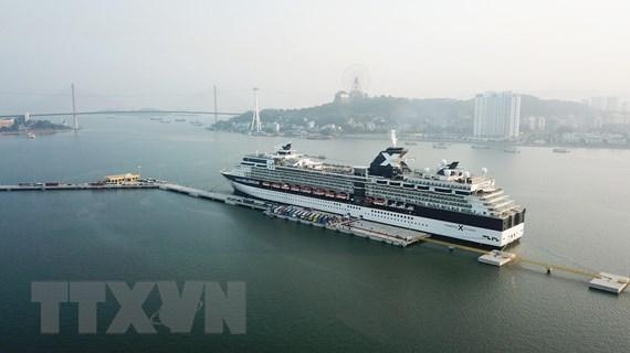 Ngăn chặn tour du lịch giá rẻ kém chất lượng: Những đề xuất từ Hạ Long