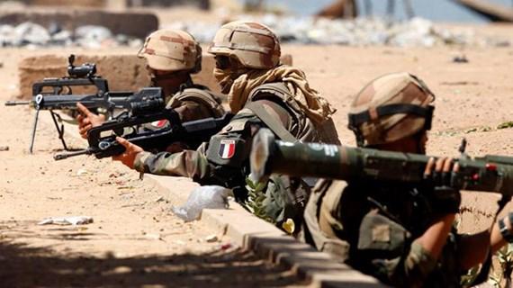 Pháp cân nhắc rút lực lượng khỏi liên minh chống IS ở Syria