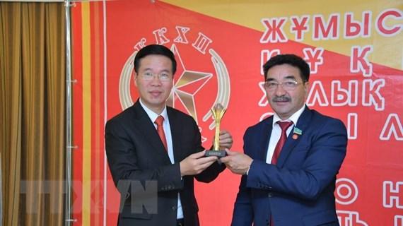 Trưởng Ban Tuyên giáo TW Võ Văn Thưởng thăm làm việc tại Kazakhstan