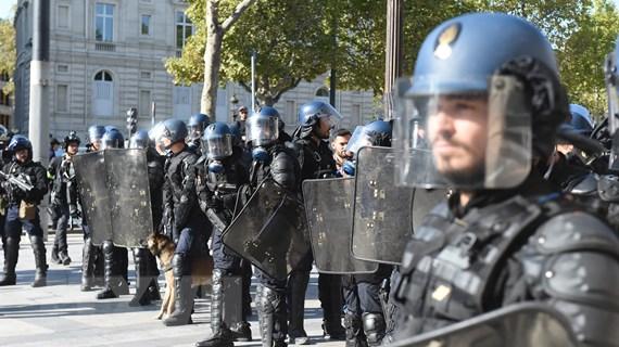 Pháp: Tuần hành chống biến đổi khí hậu biến thành bạo lực