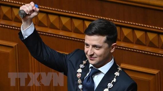 Động thái đầu tiên Tân Tổng thống Zelensky trên 'sân khấu' chính trị