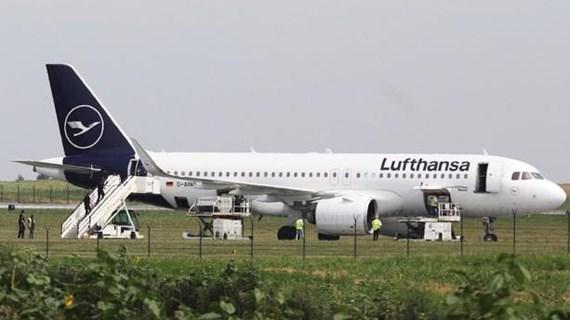 Máy bay Lufthansa sơ tán khẩn cấp tại Serbia do có đe dọa đánh bom