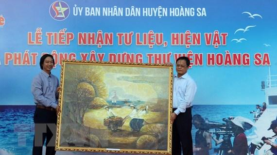 Đà Nẵng tiếp nhận tư liệu quý khẳng định chủ quyền đối với Hoàng Sa
