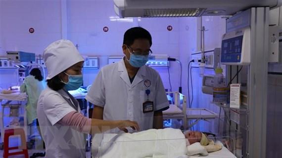 Bệnh viện Sản Nhi Yên Bái chăm sóc bé gái 3 ngày tuổi bị bỏ rơi