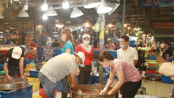 TP.HCM dự kiến mở lại chợ đầu mối và dịch vụ ăn uống tại chỗ từ 1/11