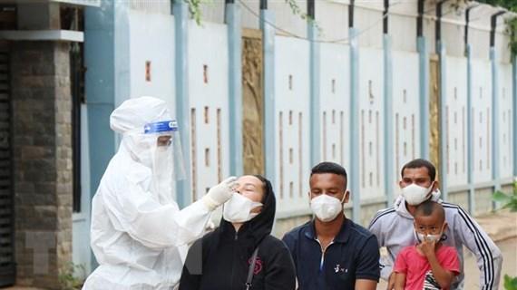 Ngày 22/10: Ghi nhận 3.985 ca nhiễm mới COVID-19, 56 ca tử vong
