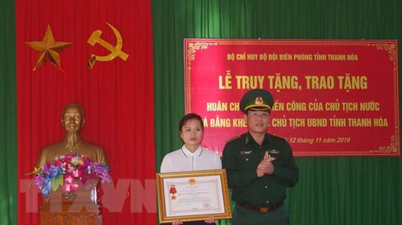 Truy tặng Huân chương chiến công hạng Nhất cho Thiếu tá Vi Văn Nhất