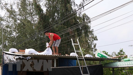 Bộ đội Biên phòng Quảng Nam sơ tán hàng ngàn người dân, chạy bão số 9