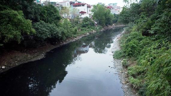 """Chất lượng nước sông phía Bắc: Các điểm nóng vẫn chưa """"hạ nhiệt"""""""