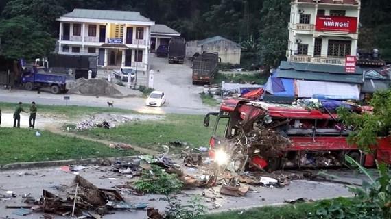 Chưa làm rõ được 'giấy khai sinh' xe tải Lào gây tai nạn ở Hòa Bình