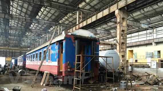 Đường sắt xin kéo dài 'tuổi thọ' hàng nghìn đầu máy, toa xe 'lỗi thời'