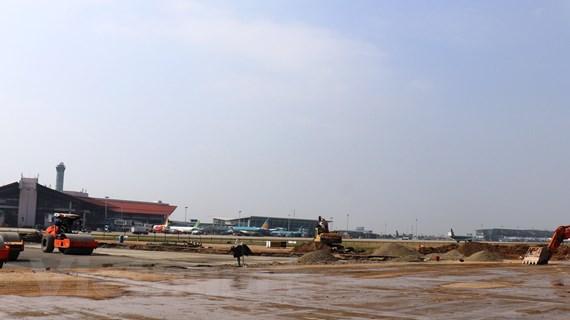 Đường băng Nội Bài sẽ được sửa xong để khai thác bay cao điểm Tết