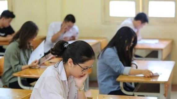 Khởi tố 3 giáo viên chấm thi trong vụ gian lận điểm tại Hòa Bình