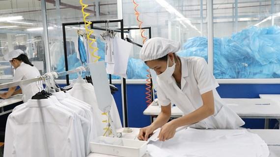 Báo chí cần chủ động hỗ trợ doanh nghiệp giải quyết 'COVID kinh tế'