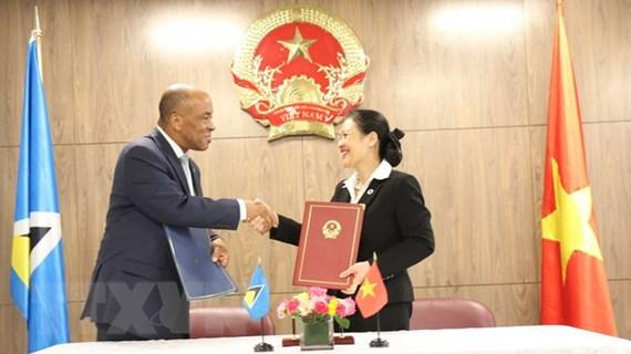 Việt Nam chính thức thiết lập quan hệ ngoại giao với Saint Lucia
