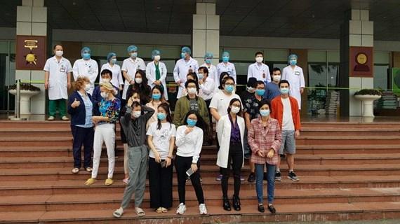 Thêm 27 bệnh nhân mắc COVID-19 được chữa khỏi bệnh