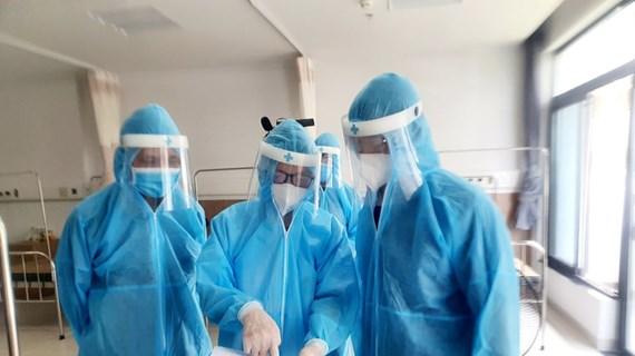 Bệnh viện Bạch Mai cơ sở 2 chia lửa, tiếp nhận 200 ca COVID-19