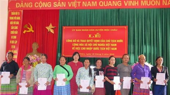 Gần 300 công dân Lào cư trú tại Sơn La sẽ được nhập quốc tịch Việt Nam