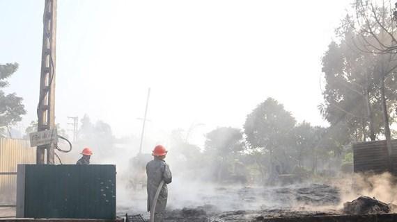 Phú Thọ: Cháy bãi chứa phế liệu, Quốc lộ 32C tắc cục bộ