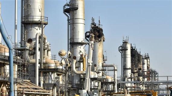 Nhận định trái chiều của giới chuyên gia về thị trường dầu mỏ năm 2020