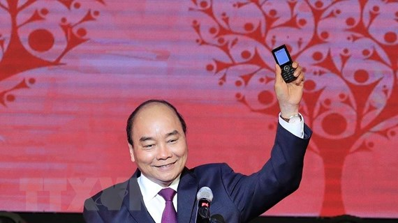 Thủ tướng Nguyễn Xuân Phúc nhắn tin ủng hộ người nghèo