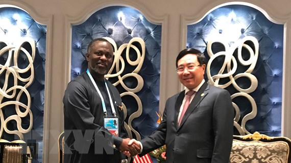Phó Thủ tướng Phạm Bình Minh gặp đại diện Liberia và Djibouti