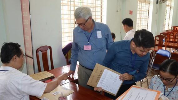 Thi THPT: Kỷ lục giám thị, thí sinh lớn tuổi nhất dự thi ở Bình Phước