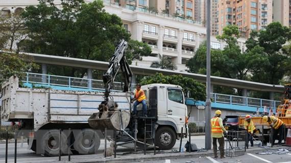 Tổng Lãnh sự quán Việt Nam ở Hong Kong hỗ trợ sinh viên về nước