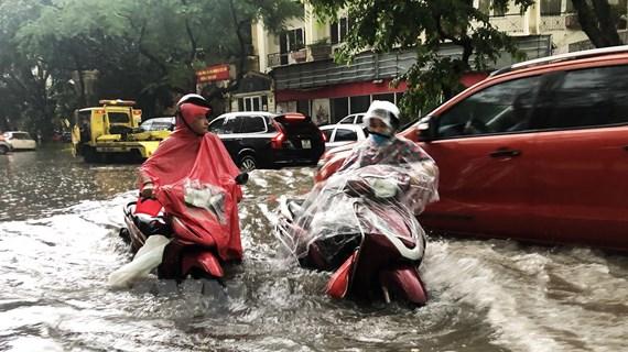 Hà Nội bao giờ phố hết thành sông sau những trận mưa lớn?