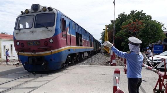 Vận tải khách và hàng hóa giảm, hàng ngàn lao động đường sắt nghỉ việc