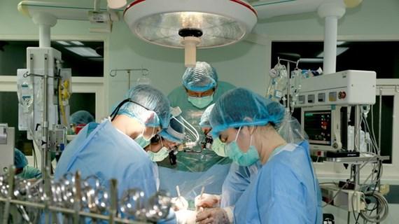 Bệnh viện TW Huế thực hiện thành công ca ghép tim xuyên Việt đặc biệt