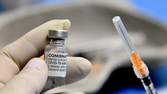 """Cuộc chiến chống COVID-19: Khi công nghệ """"tiếp sức"""" cho vaccine"""
