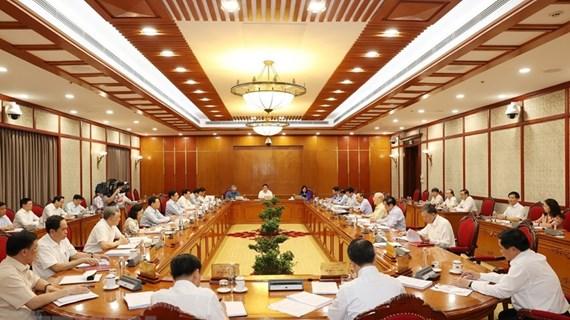 Bộ Chính trị: Khuyến khích và bảo vệ cán bộ năng động, sáng tạo